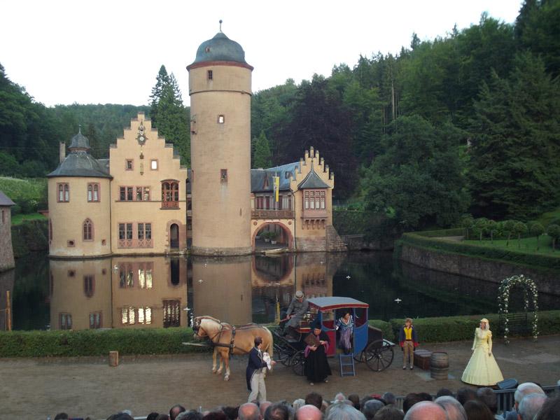 Баварский замок Меспельбрунн германия. бавария